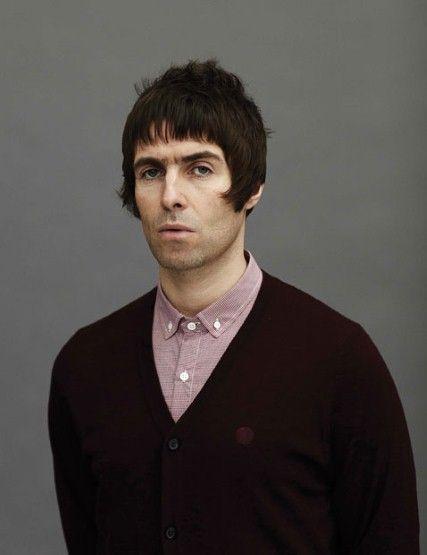 3b759dd99 Liam Gallagher. Silly man, silly haircut. Liam Gallagher Noel Gallagher,  Liam Oasis