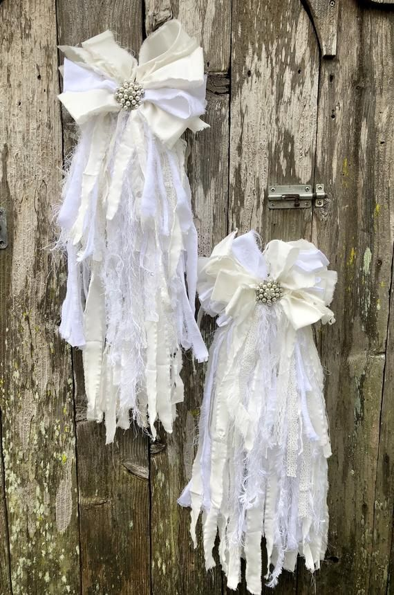 Shabby Chic Rag Bow Tutorial, rag bow tutorial, rag bow how to, shabby chic decor, no sew rag bow #fabricbowtutorial