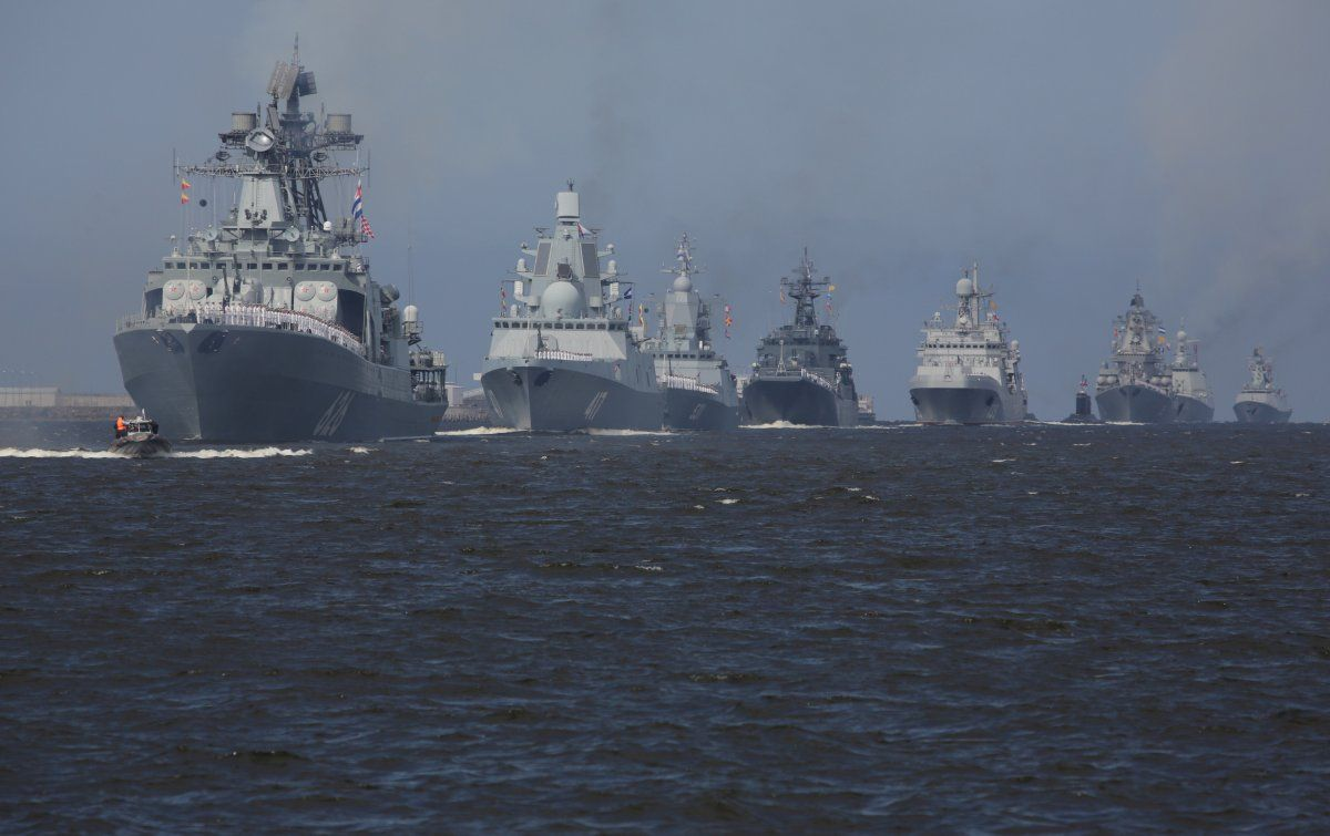 15 Photos Of Russia S Unprecedented Show Of Force For Navy Day Navy Day Navy Sailing