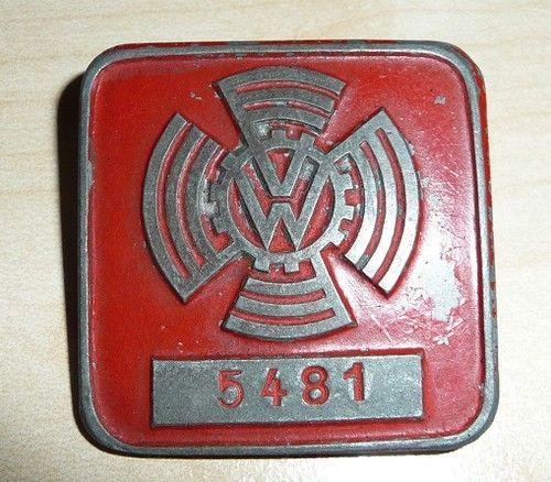 Escudo con logo KdF-wagen. Preguerra