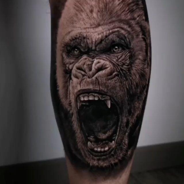 📸 @antonioragonetattoo  #tattoosinlimites #worldtattoo #bestink #instattoo #tattooink #tattoos_of_instagram #tattooftheday #fkirons #blackandgreytattoos #blacktattoo #realismtattoo