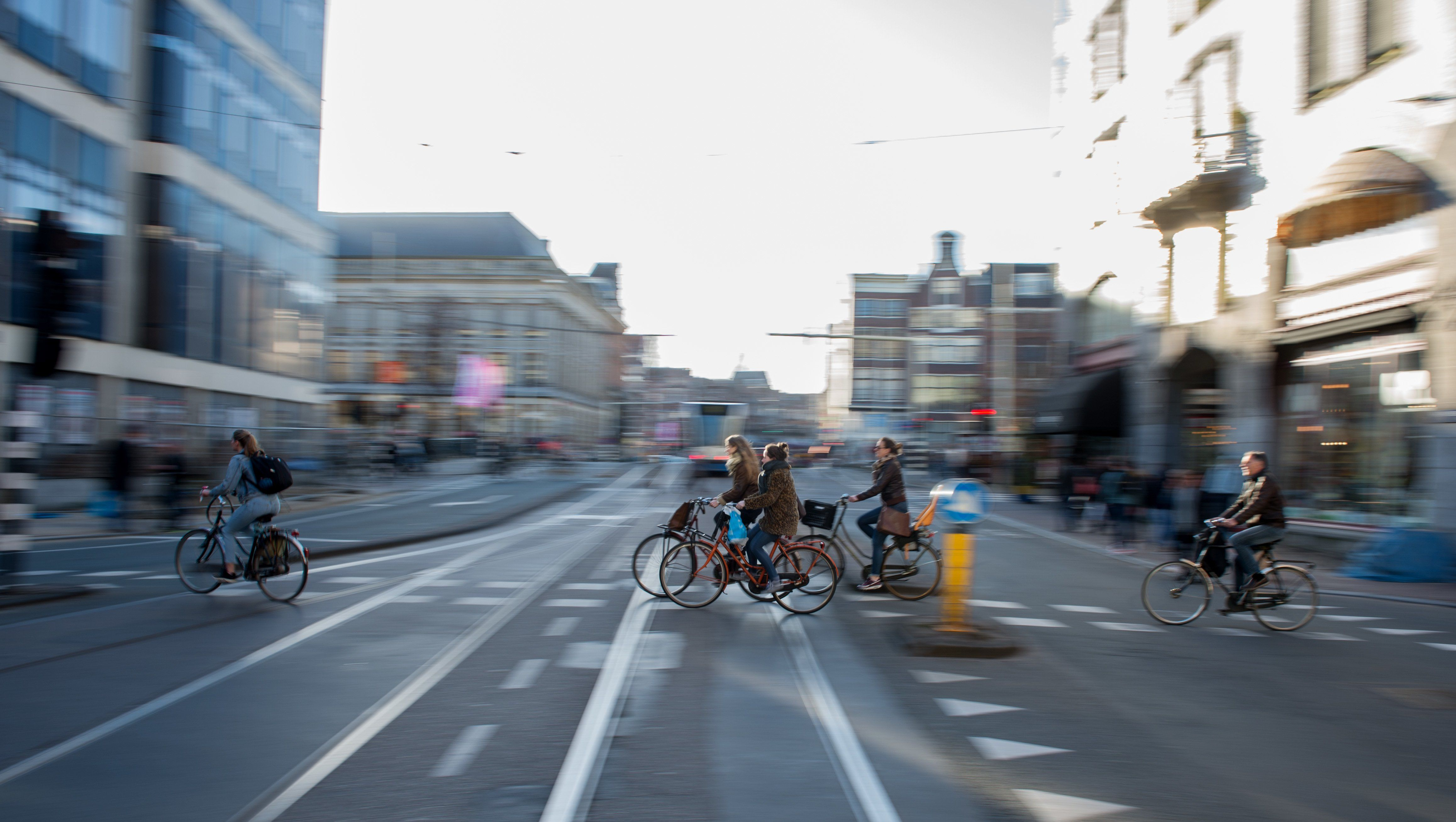 Jetzt lesen: Bundesregierung will Autobahnen für Fahrradfahrer bauen - http://ift.tt/2nyypXq #story