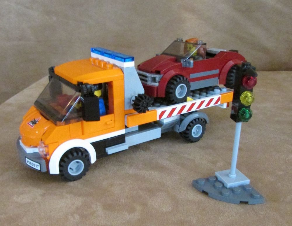 60017 Lego Flatbed Truck Complete Minifig City Tow Truck Sports Car