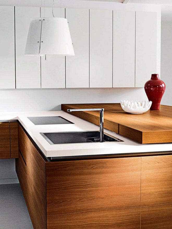 See how our Grace hood can light up even more a bright white kitchen. Kitchen Galéo - Perenne