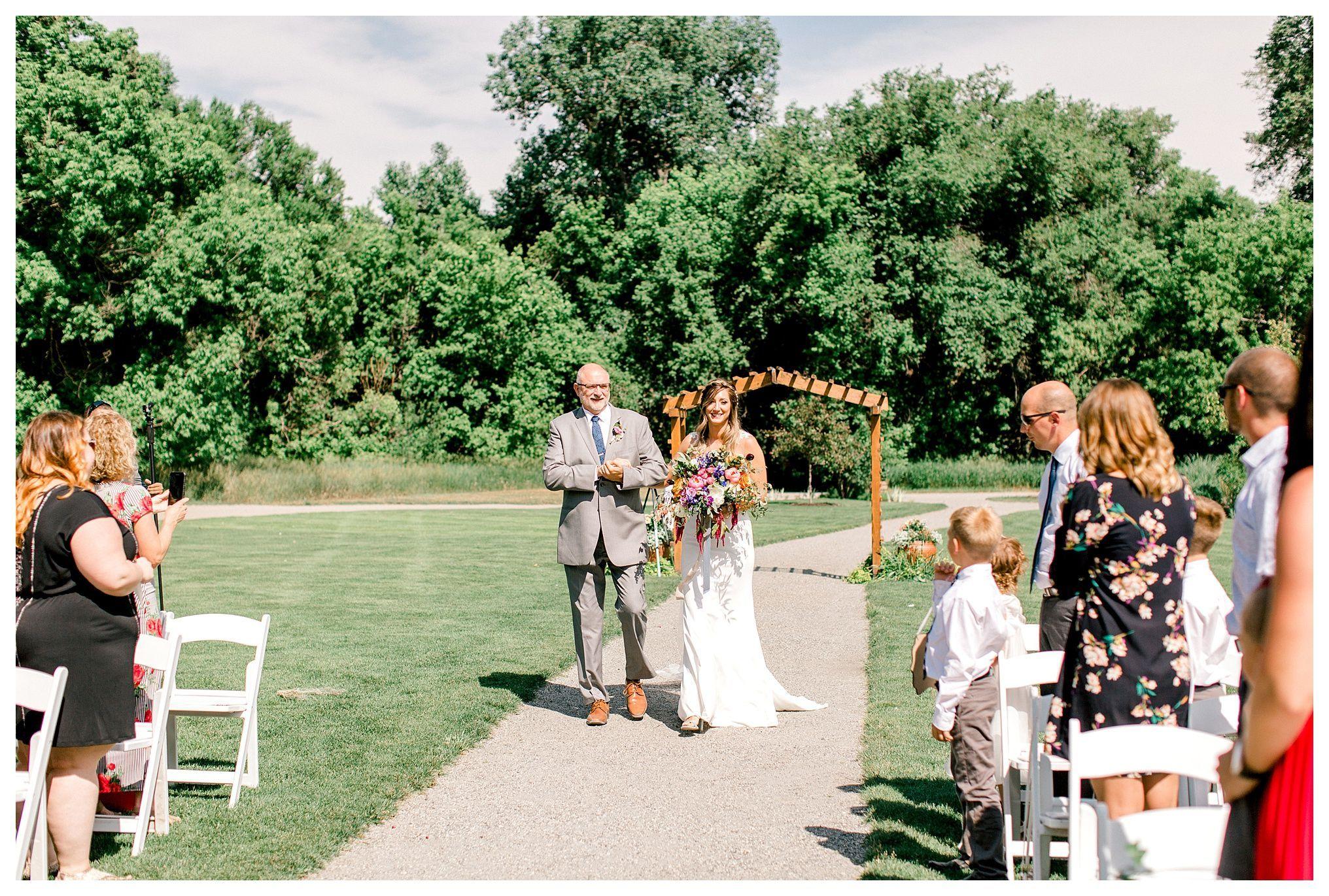 12f2a7fc176b589c8a70390de4ad0056 - Denver Botanic Gardens Chatfield Farms Wedding