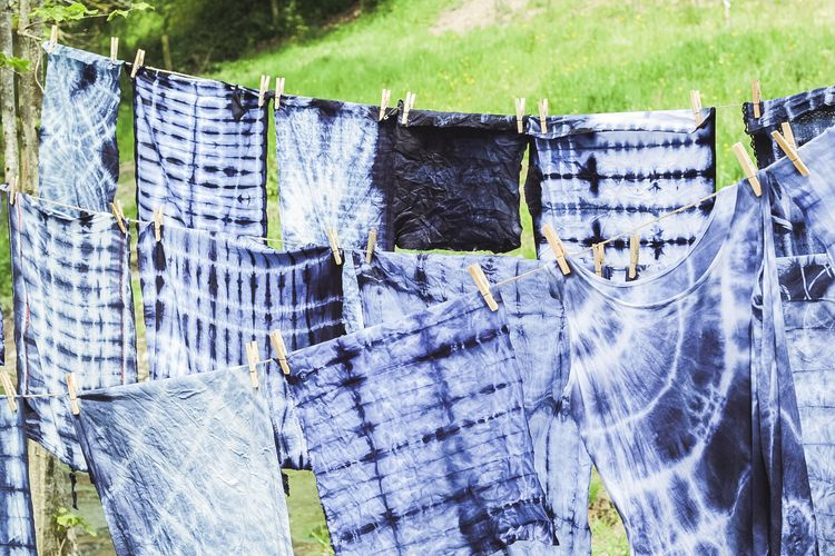 Shibori workshop led by Heather and Bethan at Sisterhood Camp | Seeds and Stitches blog
