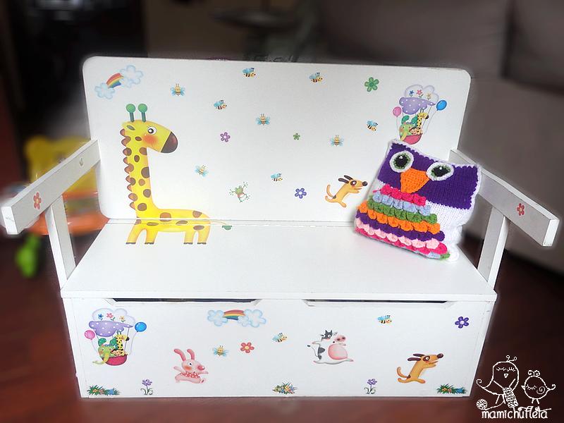 C mo hacer un banco infantil con ba l de almacenaje convertible en escritorio hacer bricolaje - Como hacer un baul para guardar juguetes ...