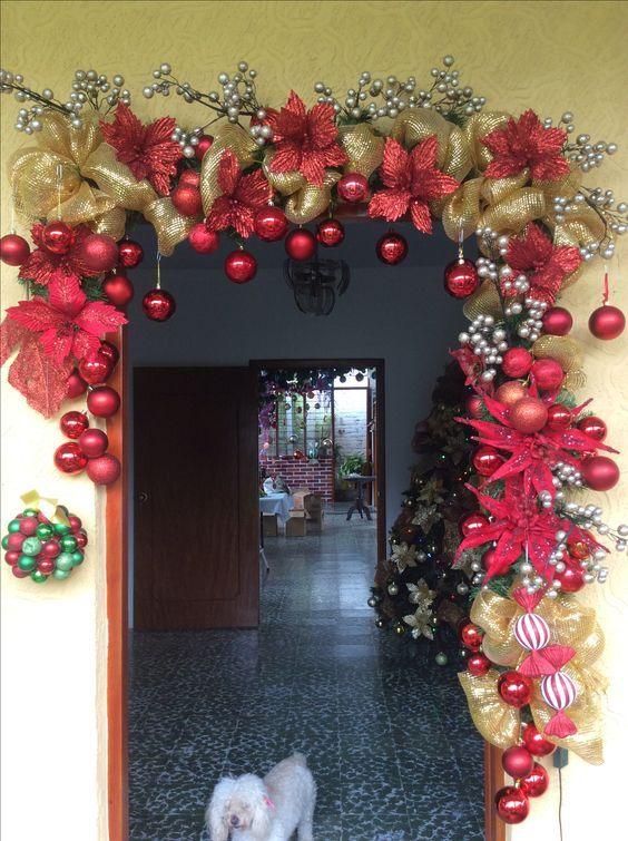 Adornos De Navidad Para Puerta Como Decorar Mi Puerta En Navidad Adornos Navidenos P Decoracion Ventanas Navidad Decoracion Navidad Arbol De Navidad Plateado