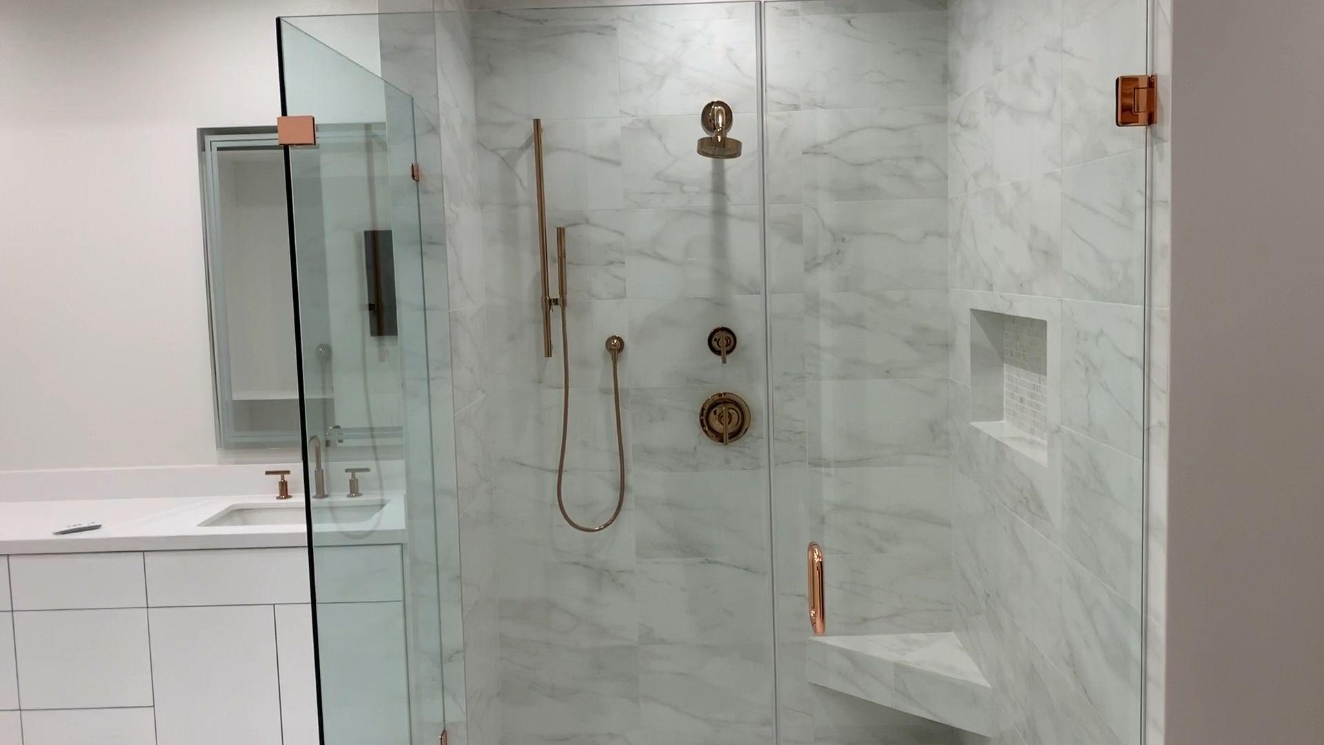 Photo of Luxury master bathroom