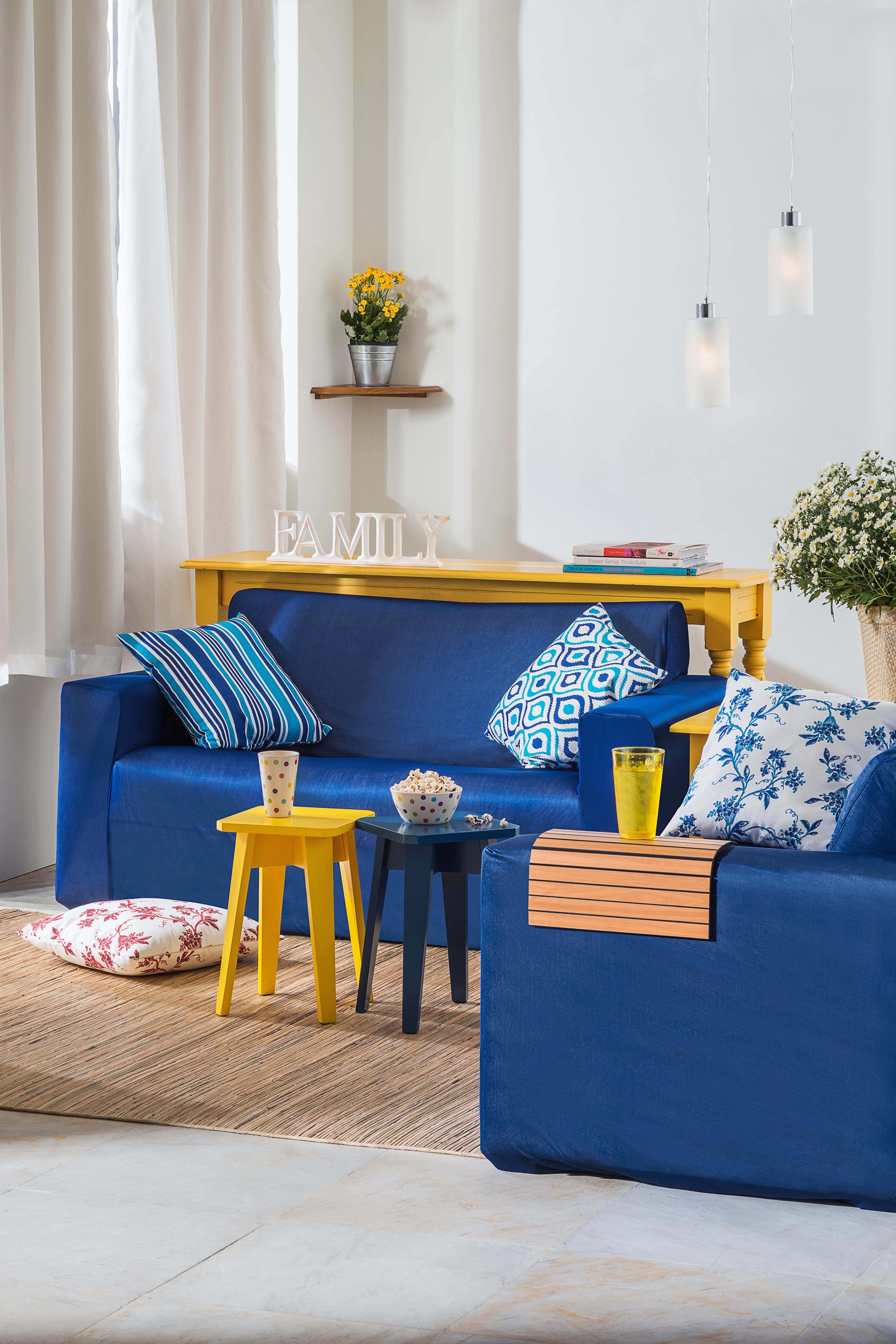 Sala Decorada Em Cores Contrastantes E Cheias De Energia Alegria  -> Decoracao De Sala Azul
