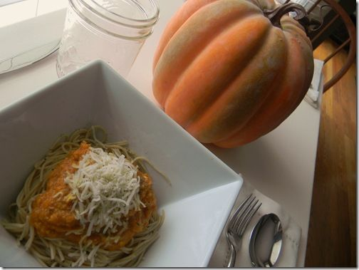 Two-Cheese Pumpkin and Sage Pasta Sauce www.happywifehealthylife.com
