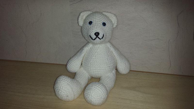 Kuscheltiere - sitzender Eisbär - ein Designerstück von Claudias ...
