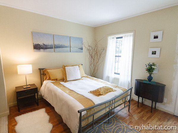 This Brownstone Apartment In Harlem Features A Queen Bed With Ample Natural Light That Floods The Sp New York Apartment 1 Bedroom Apartment Furnished Apartment