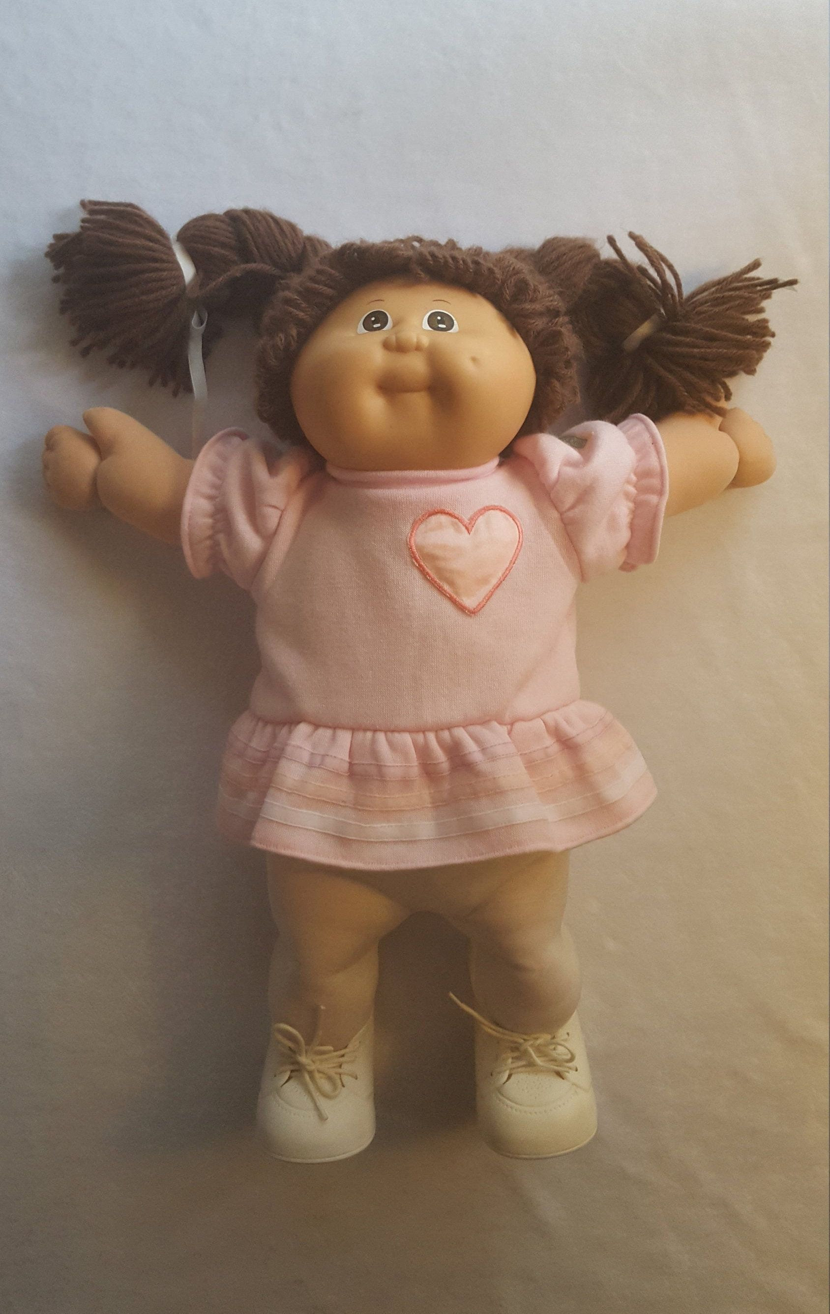 Vintage Cabbage Patch Doll With Original Box Papers Girl Etsy Vintage Cabbage Patch Dolls Cabbage Patch Dolls Cabbage Patch Kids