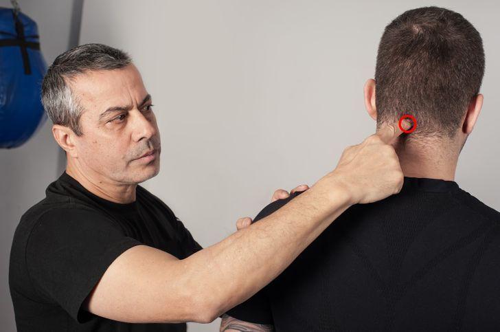 14 Puntos de presión para deshacerse de los molestos dolores en todo el cuerpo