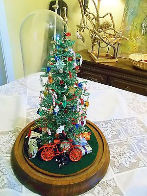Westrim Inspired Beaded Christmas Tree Why Are These Kits So Much Money Mini Christmas Tree Diy Christmas Tree Christmas Decorations