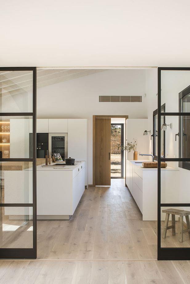 Lichtgefülltes modernes spanisches Zuhause ist eine Ode an die Natur #amenagementmaison