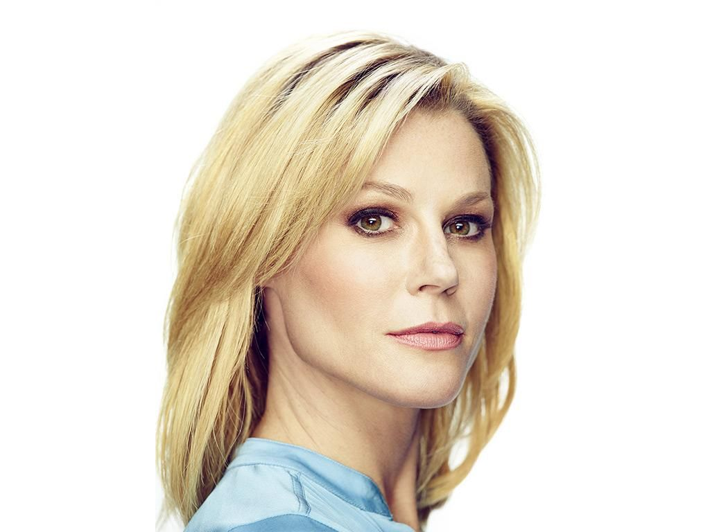 Modern Family Hairstyles Claire Claire Dunphy Photo Galleries Modern Family Usa Network Julie Bowen Hair Modern Family Hairstyle