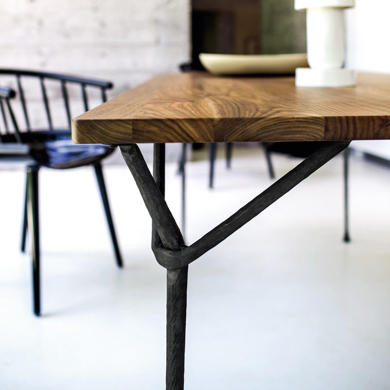 Tavolo in ferro battuto moderno officina di magis for Mobili per esterno in ferro