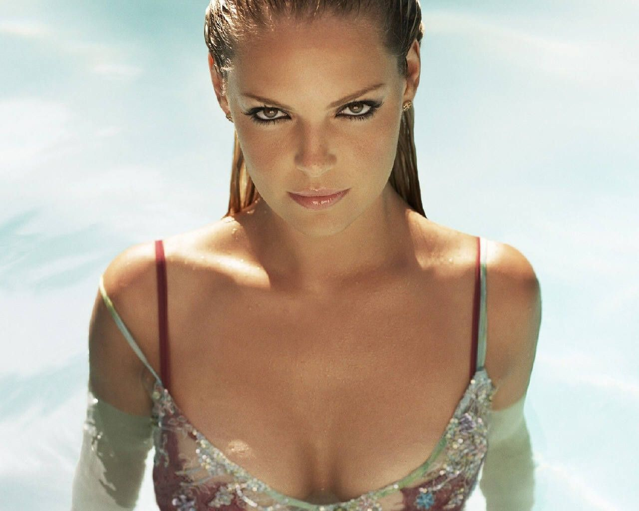 Get to see the Katherine Heigl Hot Videos @ http://www ...