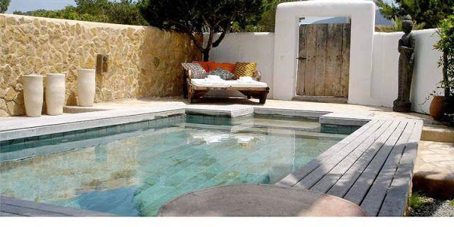 piscina casa ibizenca