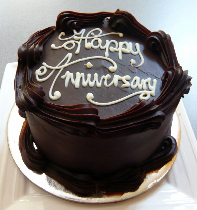 Happy wedding anniversary cake pictures