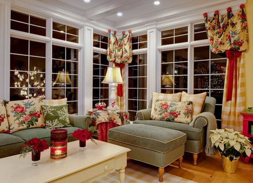 English Country Cottage Traditional Family Room Holiday Theme Decoration Ideas