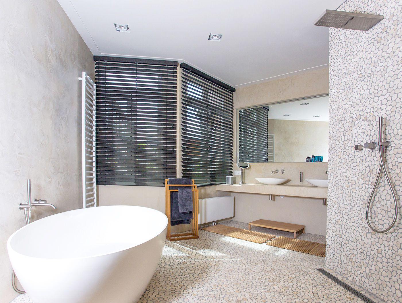Badkamer Tegels Kiezel : Goedkope badkamer inspiratie tips voor een goedkope badkamer