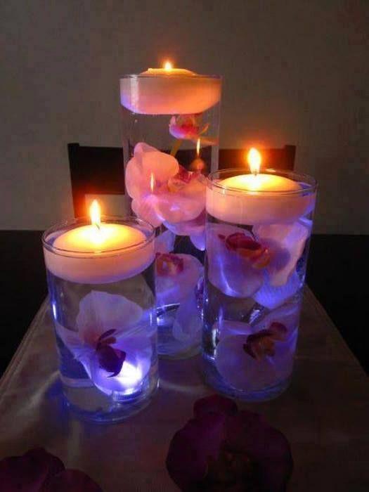 #Deco tip: utiliza unos simples floreros con agua y añade unas flores y/o velas, darán un toque muy especial a cualquier reunión que tengas en casa y a tus invitados les encantarán.