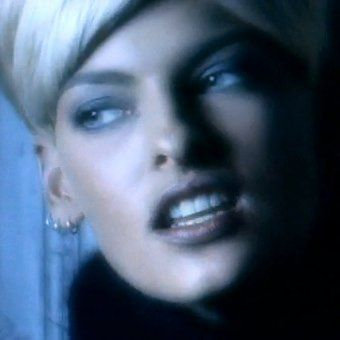 "Linda Evangelista in George Michael's ""Freedom"" video"