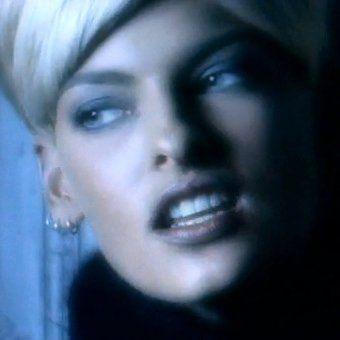 """Linda Evangelista in George Michael's """"Freedom"""" video"""