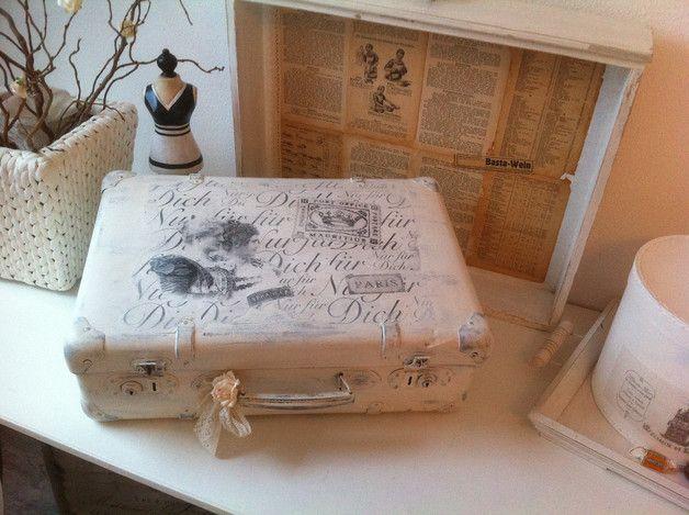 vintage koffer kleiner alter koffer im shabby styl vintage ein designerst ck von min witt. Black Bedroom Furniture Sets. Home Design Ideas
