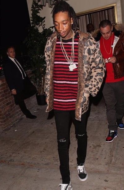 13d6116410d0e UpscaleHype is a high-end lifestyle online magazine that focuses on what  celebrities wear. Wiz Khalifa