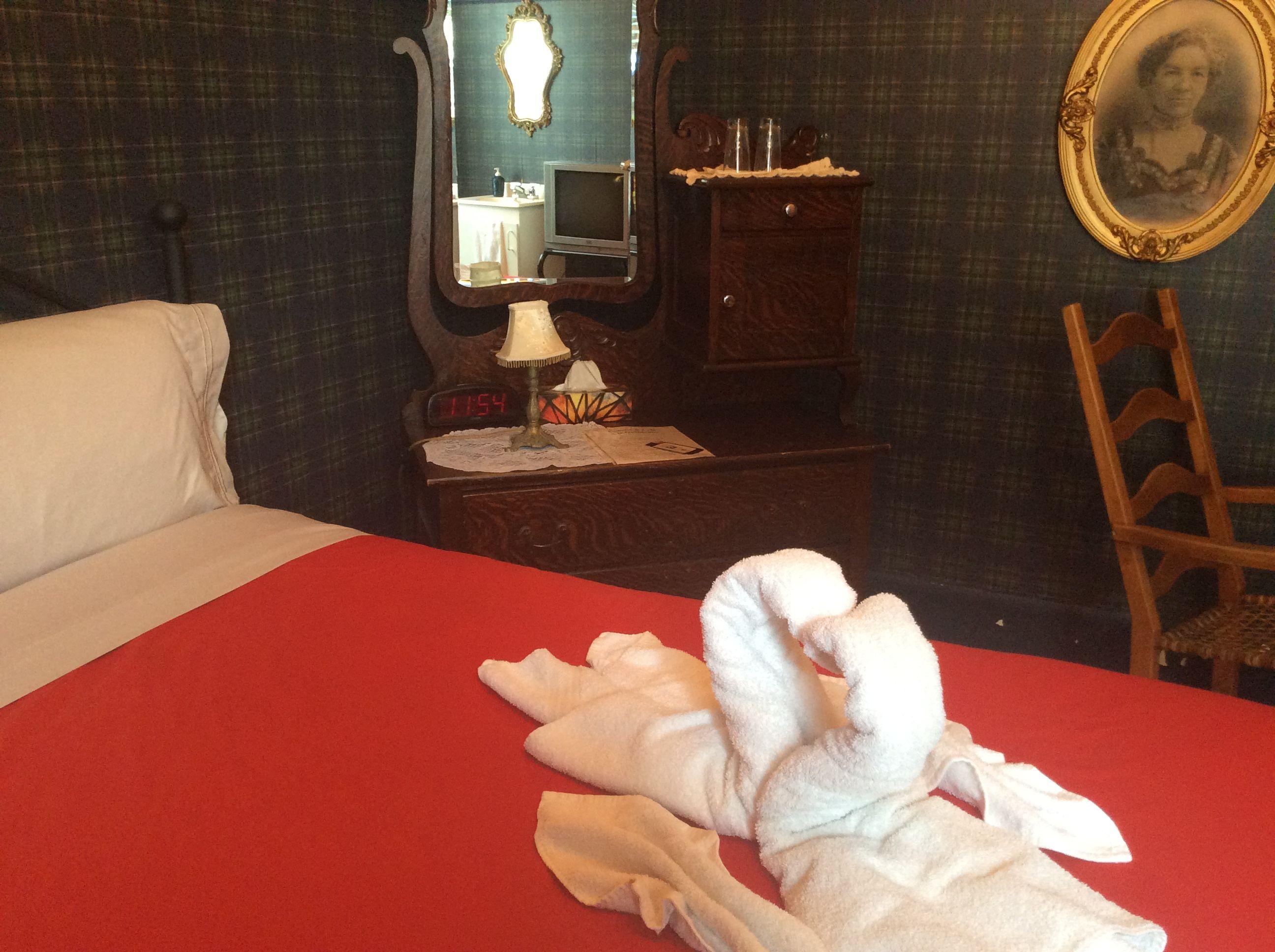 Les cygnes dans toutes les chambres au Couette & Café À la Québécoise, au Centre Ville de Québec 418-529-2013