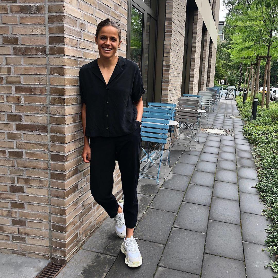 Laura Feiersinger Instagram