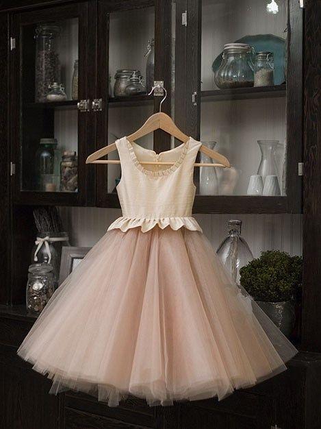 Nude Flower Woman Dress - http://www.heygirl.net/wedding-ideas ...