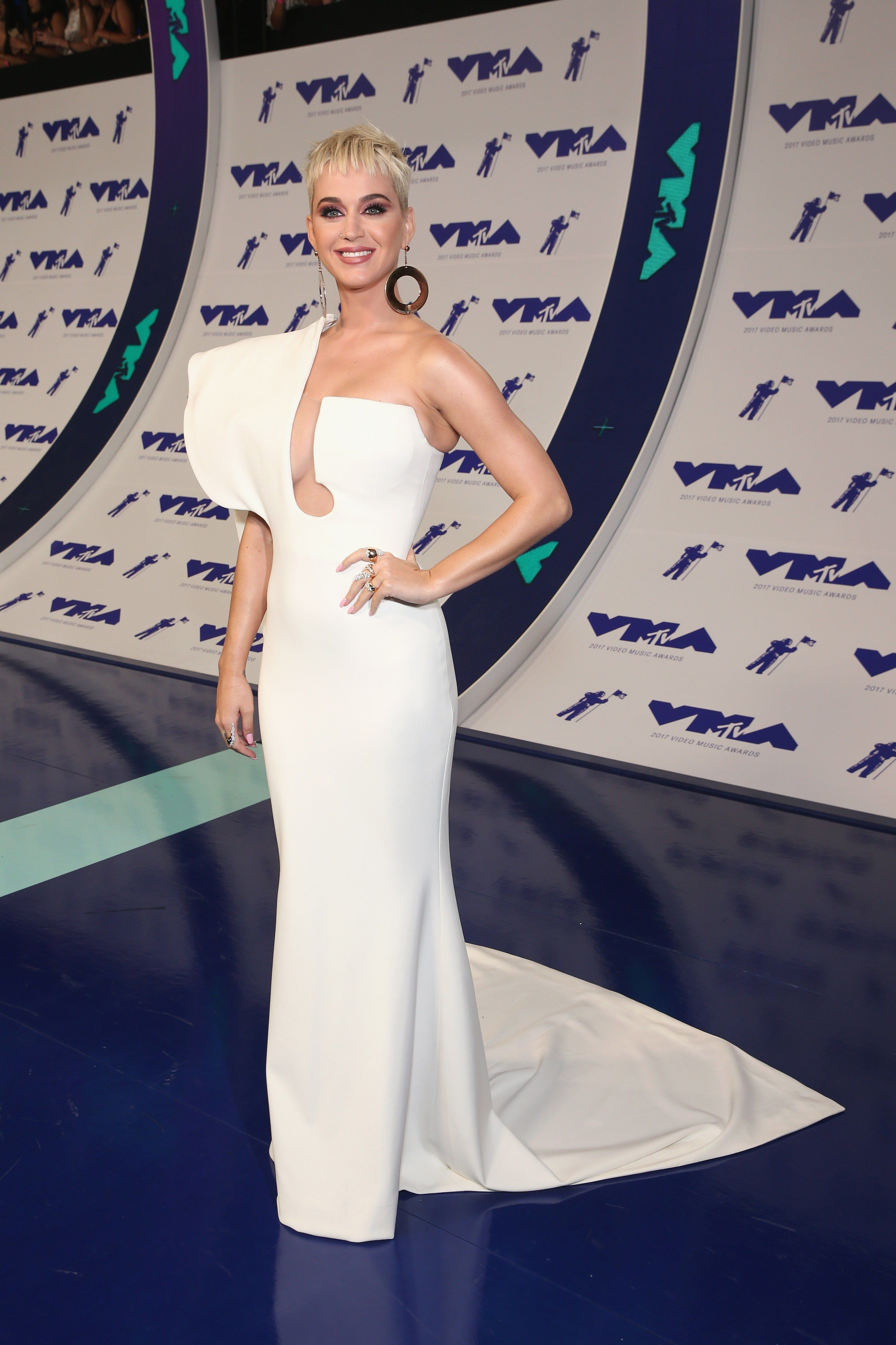 Mtv vmas fashionulive from the red carpet dresses