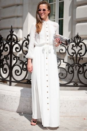 © Cécile Debise/CCM Benchmark A la sortie du défilé Alexis Mabille haute couture automne-hiver 2012-2013 le 2 juillet 2012 à Paris.