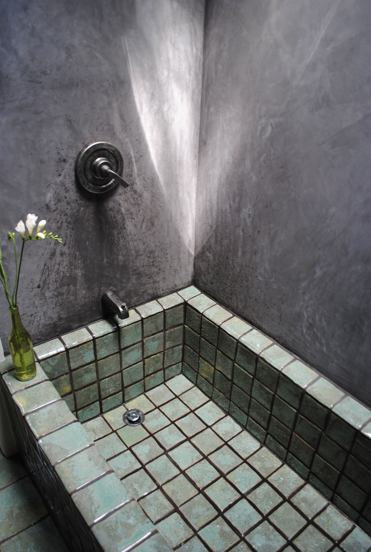 Small Bathroom With Bathtub Shower Combo