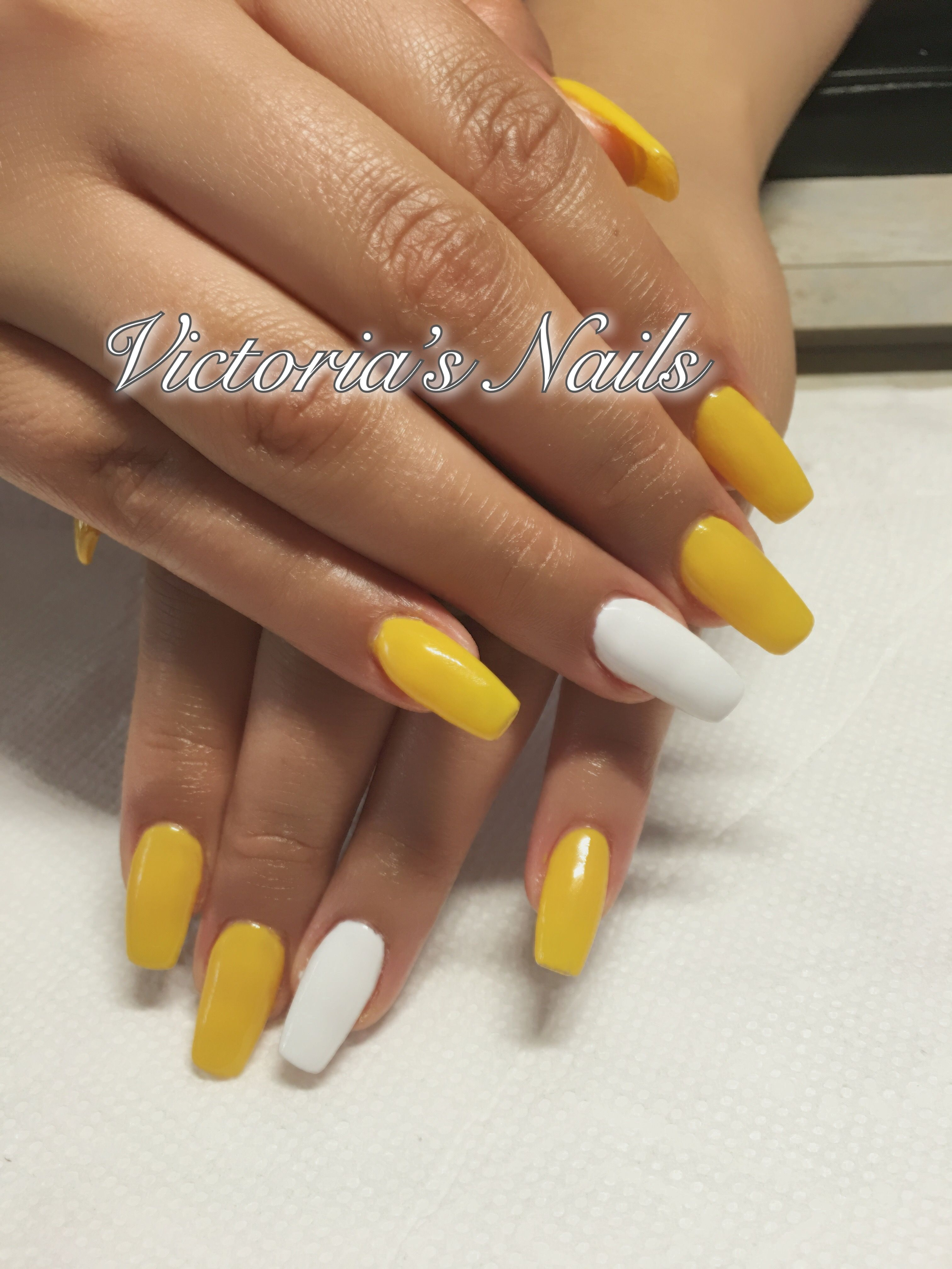 Yellow And White Acrylic Nails Acrylic Nails Yellow White Acrylic Nails Acrylic Nails Pinterest