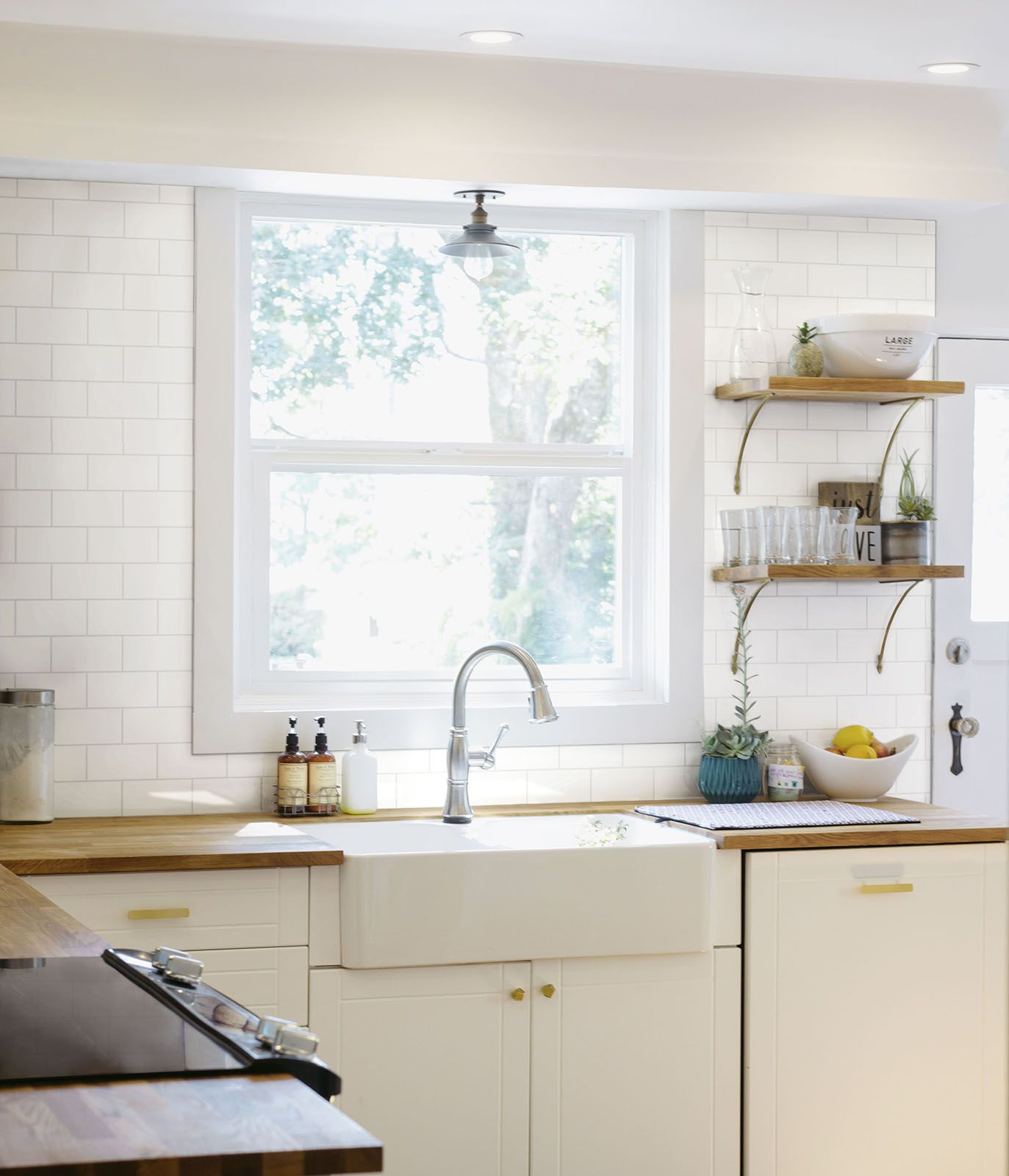 Elegant Hello Ceramic Tiles #Marazzi #tiles #walltiles #brickeffect #kitchen  #kitchendesign #ceramics