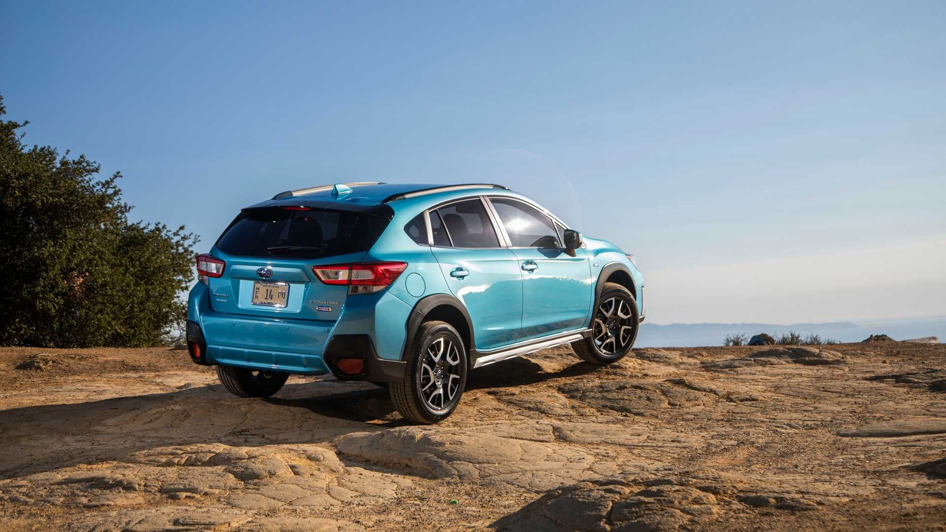 Subaru Introduces Its First Ever Plug In Hybrid Model The New Crosstrek Hybrid It Is Also Capable Off Road Subaru Suba Subaru Crosstrek Subaru Used Volvo