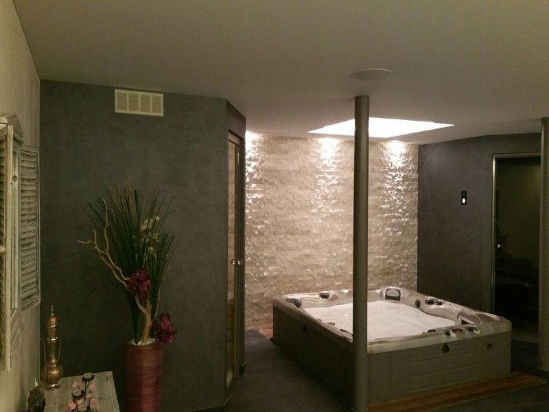 Plafond tendu en toile technique imputrescible réalisé par Abrium - toile tendue pour terrasse