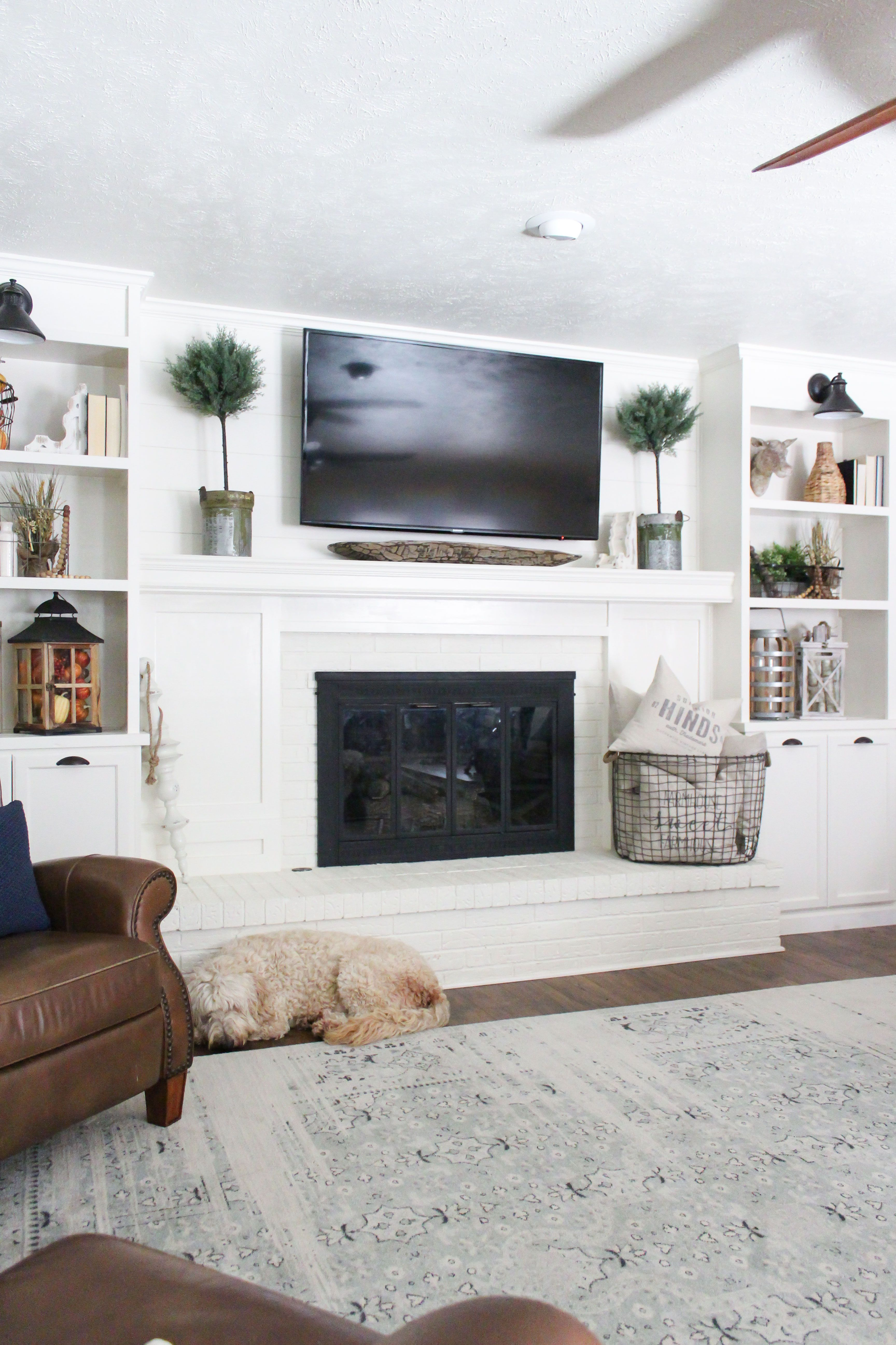 White Cabinets Around Fireplace 2021   Built in fireplace, Living room with fireplace, Home ...