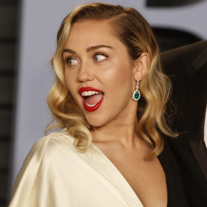 Miley Cyruss Statement Earrings Miley Cyrus In 2019 Pinterest