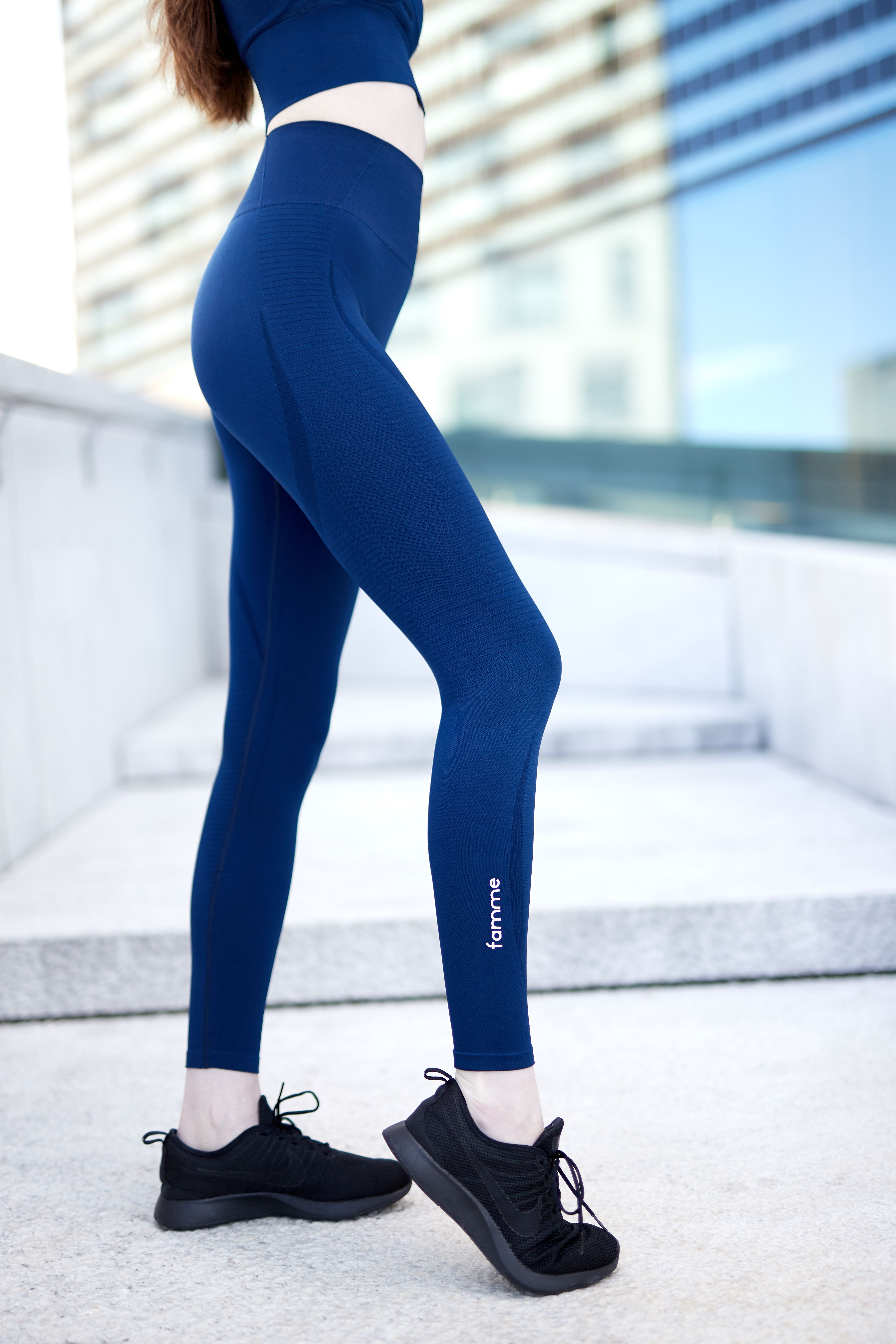 c5277957646d5 Super comfy seamless tights, perfect activewear! The Famme Vortex Leggings  fits as good as