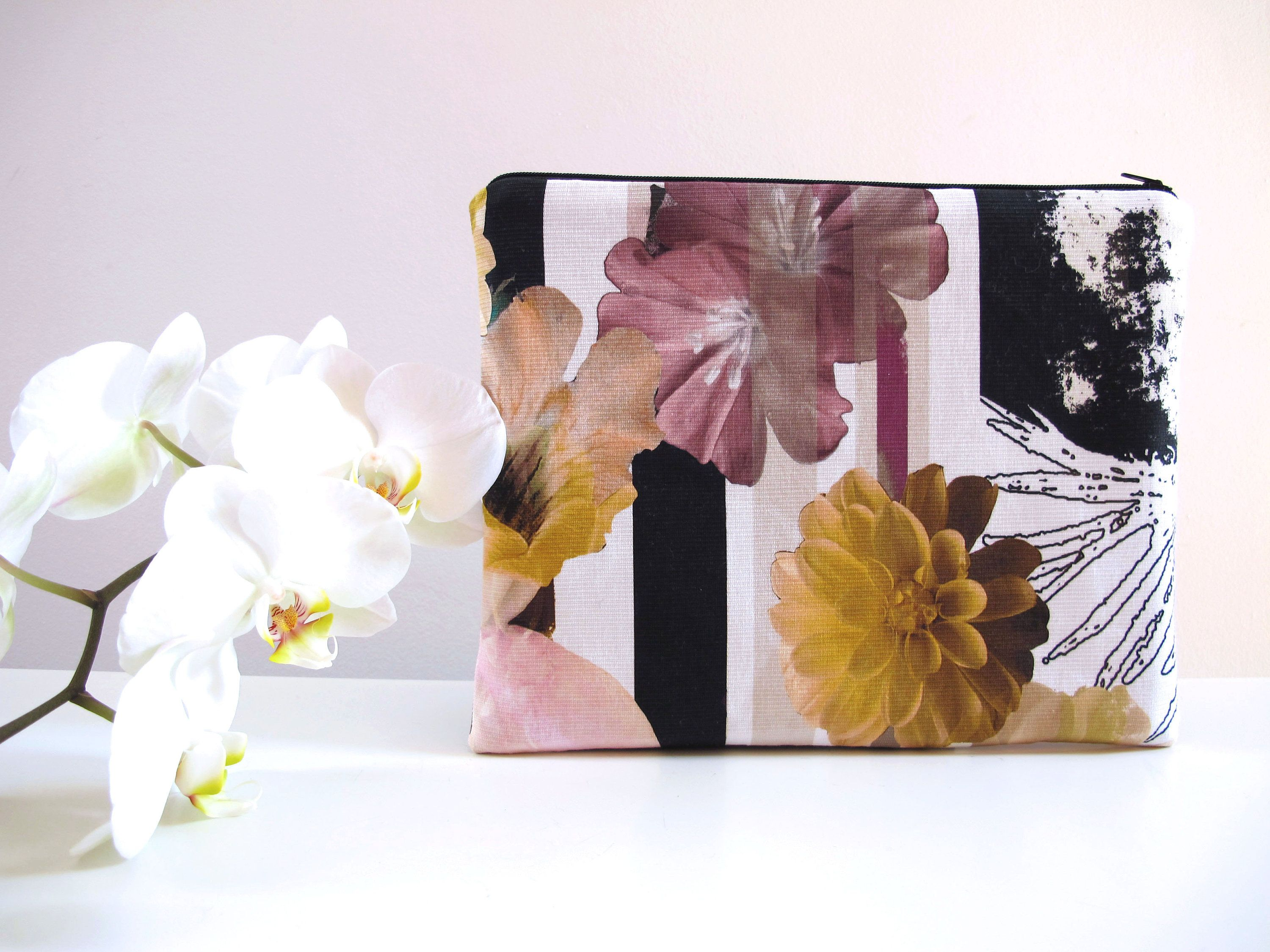 Fiori Viola Gialli.Yellow And Purple Flower Clutch Bag Fiori Viola Fiori In