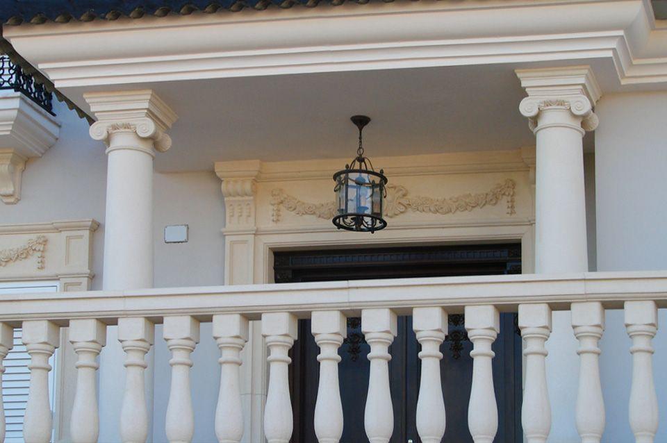 Columnas Para Porche De Entrada Con Molduras De Piedra Artificial Para Puerta