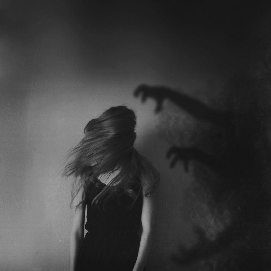 Sad Emotional Pics: To The Heartbroken