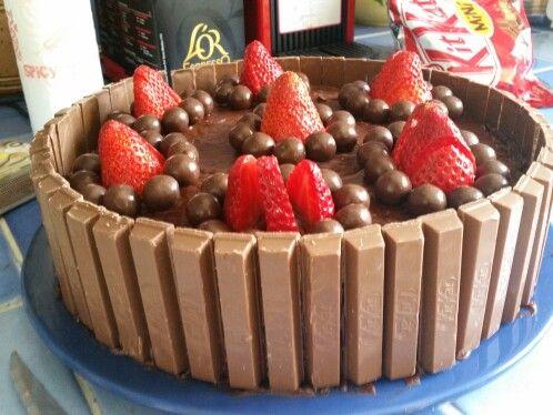 Gateau Chocolat Mousse Fraise Deco Fraises Kit Kat Gateau Chocolat Dessert Paques Mousse Fraise